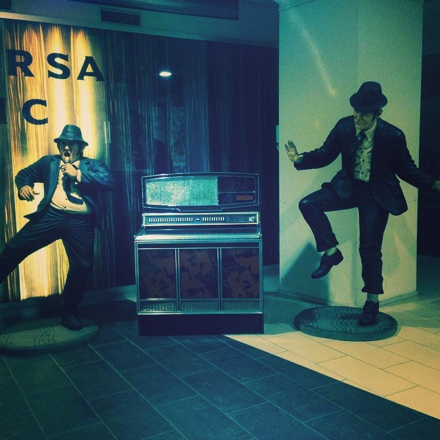Just found the HQ of Universal Studios and it was deserted – literally walked straight in to take this shot in the lobby